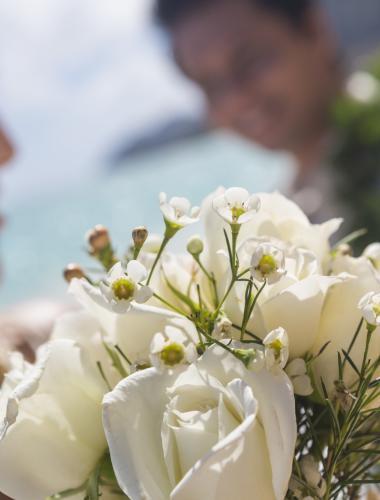 Beautiful wedding flower arrangements