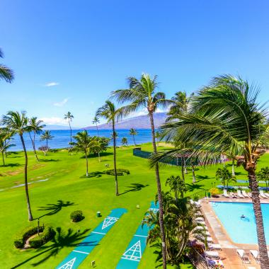 Ocean front pool, shuffle and tennis courts.