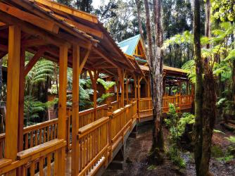 Laukapu Forest Cottage Walkway of 1,000 peaces